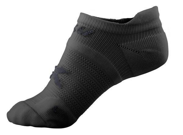 2XU No Show Socks Color: Black/Black