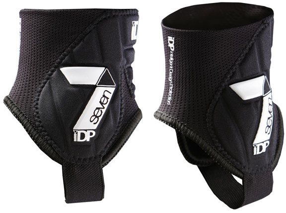 7iDP Control Ankle Guard Color: Black