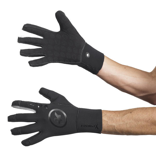 Assos Rain Glove Evo7 Price listed is for gloves as defined in Specifications (image may differ).