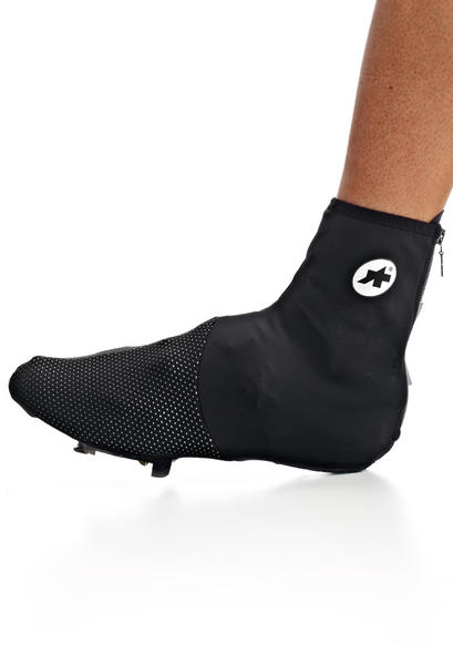 Assos Thermo Bootie Uno S7 Color: Black Volkanga