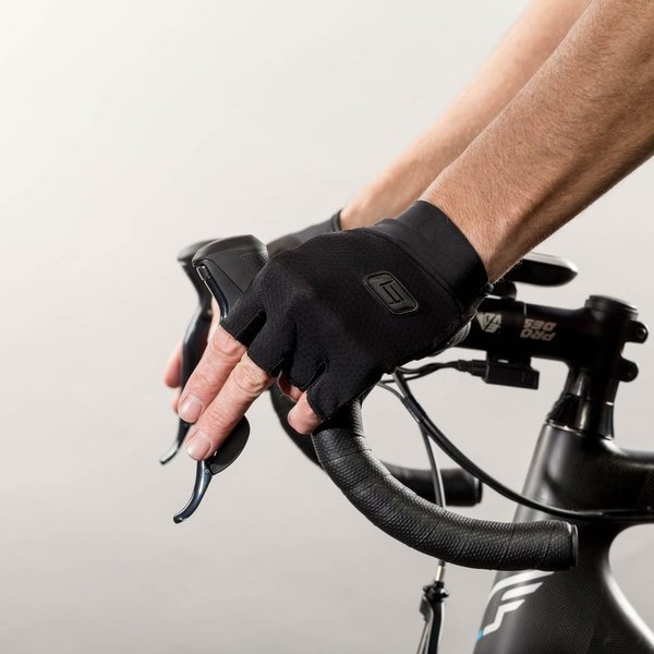 Bellwether Pursuit Gloves Color: Black