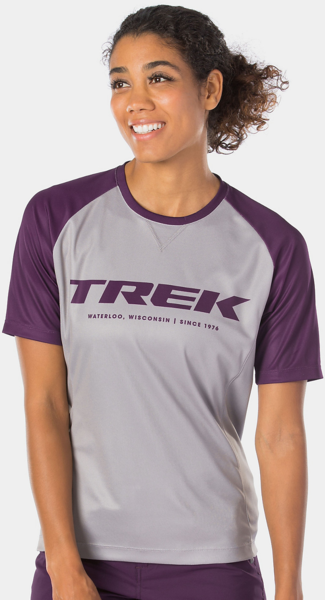 Bontrager Rhythm Women's Mountain Tech Tee Color: Gravel/Mulberry