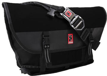 Chrome Citizen Buckle Messenger Bag (Black-Black)
