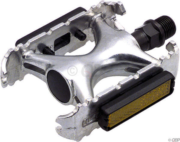 Dimension Touring Pedals Color: Silver