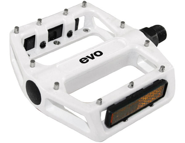 Evo MX-6 Pedals Color: White