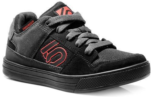 Five Ten Freerider Kids Color: Black/Red