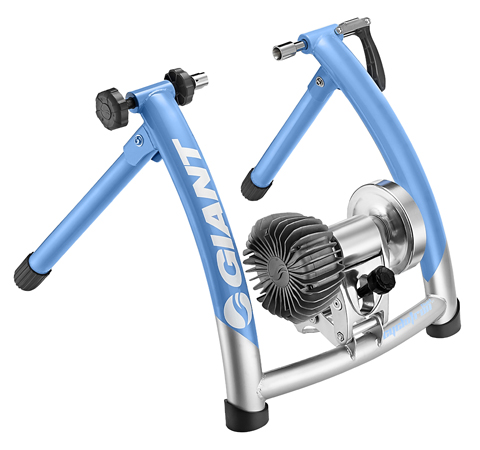 Giant Cyclotron Fluid ST Trainer Color: Blue/Silver
