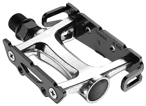 Giant AC Pedals Color: Black