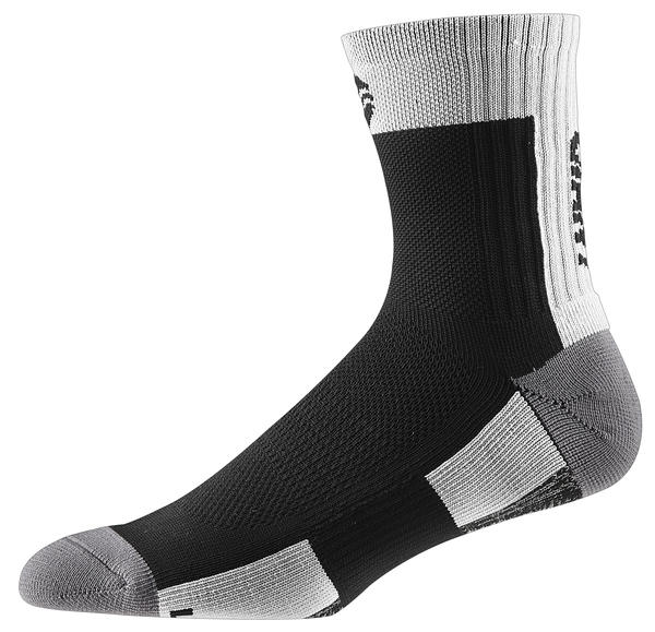 Giant Realm Quarter Socks Color: Black