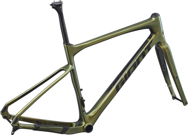 Giant Revolt Advanced Frameset Color: Chameleon Saturn