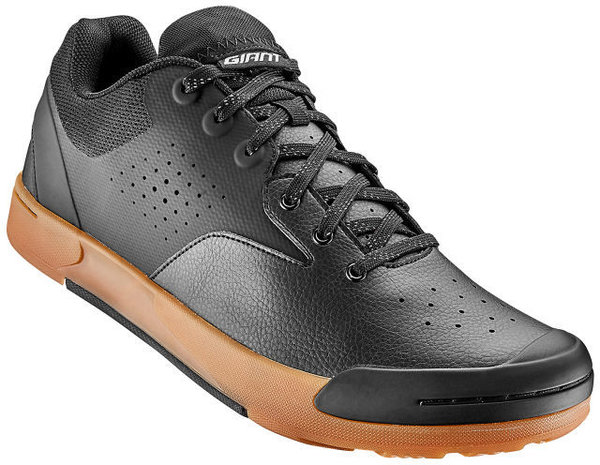 Giant Shuttle Flat Off-Road Shoe Color: Black/Gum