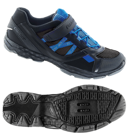 Giant Sojourn 1 Color: Black/Blue