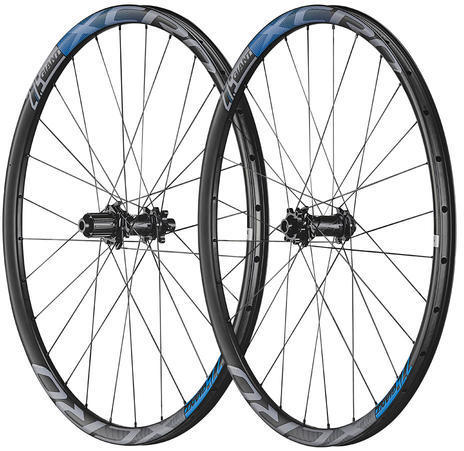 Giant XCR 0 27.5 Carbon XC Rear Wheel Color: Black