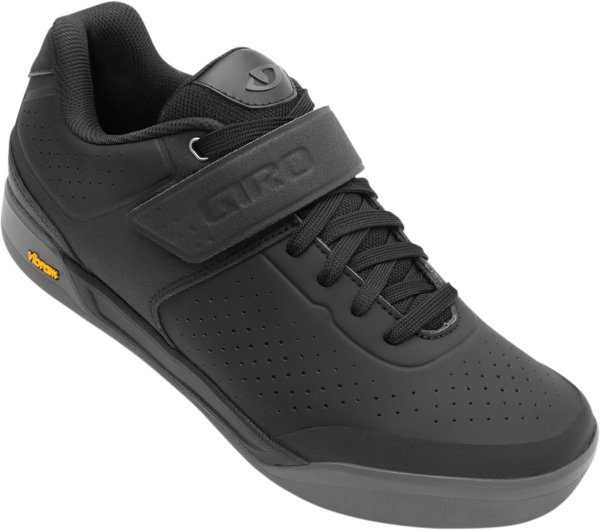 Giro Chamber II Shoe Color: Black/Dark Shadow