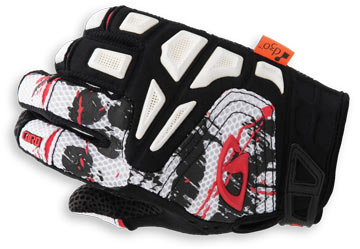 Giro Remedy Color: White/Black/Red
