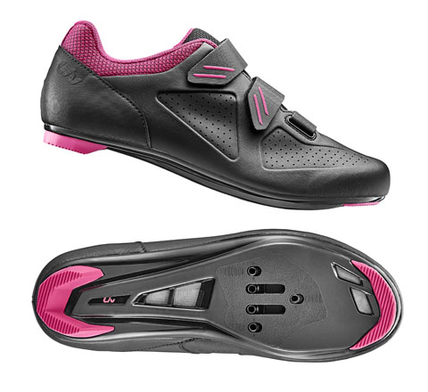 Liv Regalo Shoe Color: Black/Fuchsia