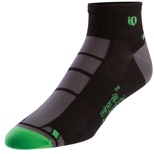 Pearl Izumi P.R.O. Low Socks Color: Black/Fairway