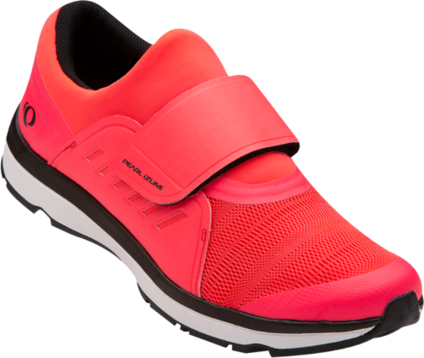 Pearl Izumi Women's Vesta Studio Color: Black / Atomic Red