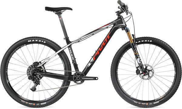 Pivot Cycles Les 27.5 Carbon XTR 1x Price listed is for bike as defined in Specs (image may differ).