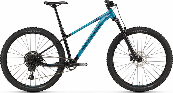 Rocky Mountain Growler 40 Color: Black/Blue