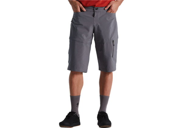 Specialized Men's Trail Cargo Short Color: Smoke
