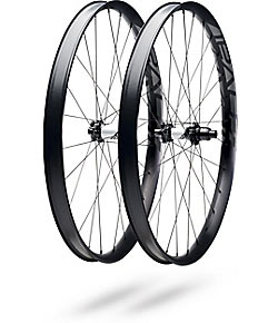Roval Traverse Fattie 38 650B 148 Color: Charcoal Decal
