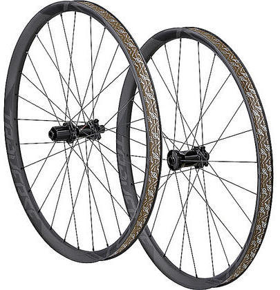 Roval Traverse SL Fattie 650b 142+ Wheelset Color: Carbon/Black Decal