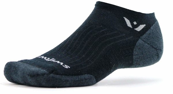 Swiftwick Pursuit Zero Color: Black