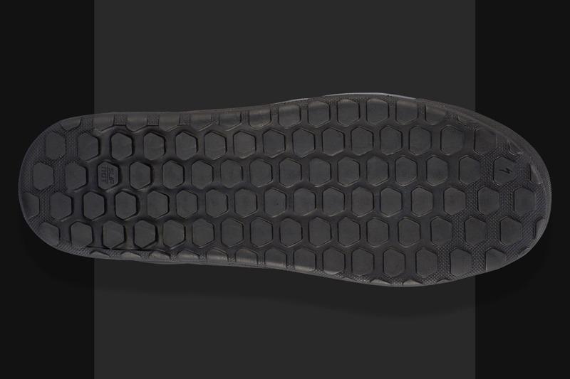 non-clip shoe