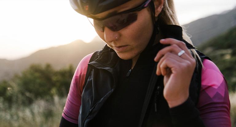 women's lightweight cycling jacket