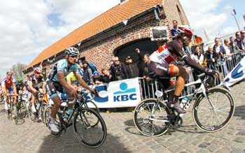 Even superstars like Tom Boonen and Fabian Cancellara (left/right) need comfortable bicycle seats!