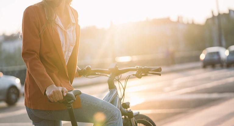 Commuter on a hybrid bike