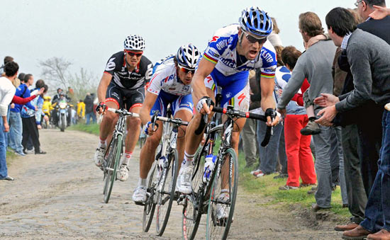 Tom Boonen took his Specialized Roubaix SL2 to victory at Paris-Roubaix!