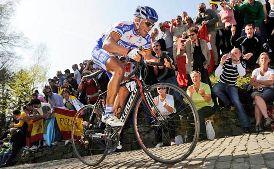 Stijn Devolder won the Tour of Flanders aboard his Specialized Tarmac SL2!
