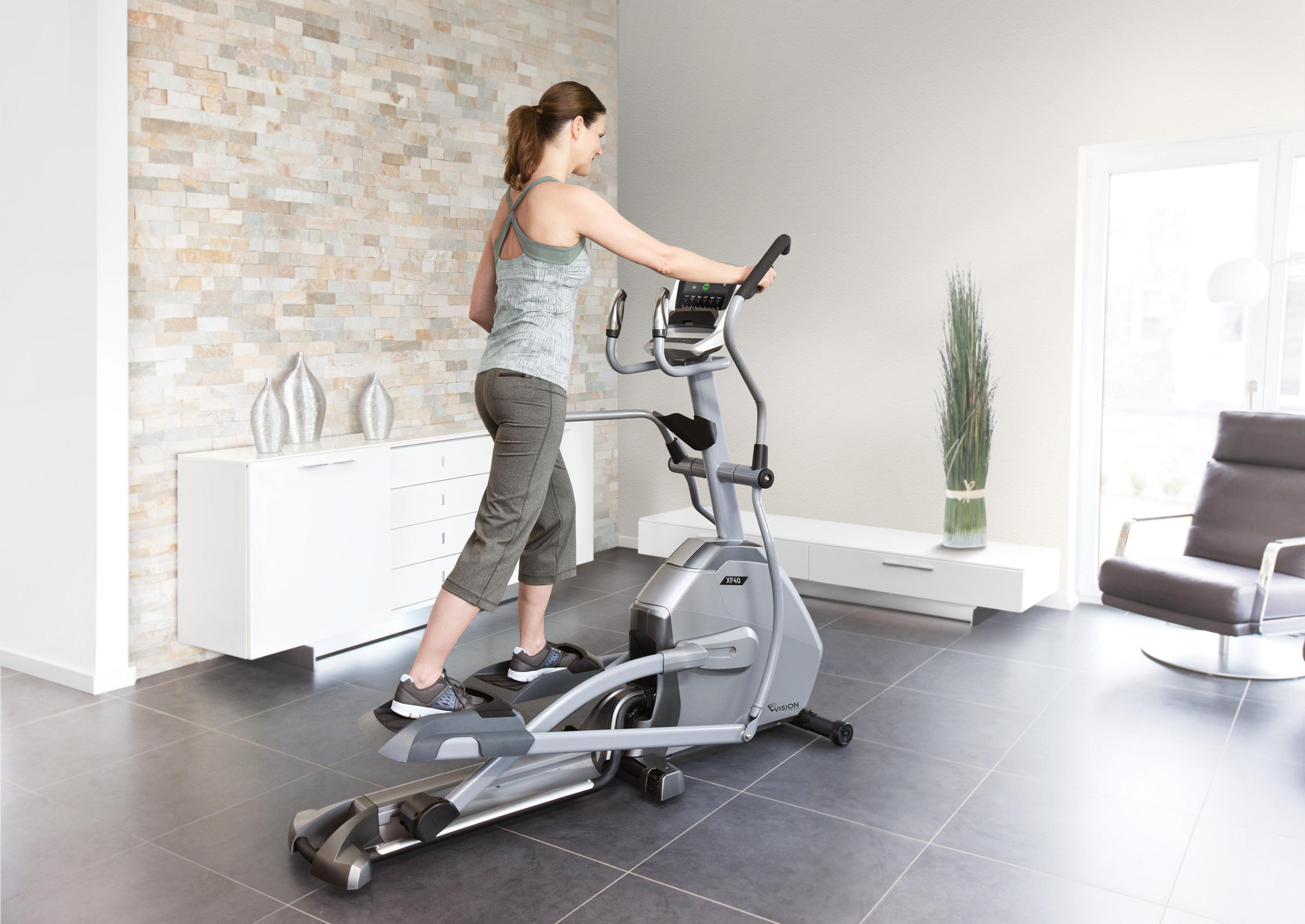 Vision Fitness/® Elliptical Trainer XF40i Elegant