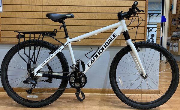 Used - Decommissioned Cannondale Police Bike, Medium, X-7