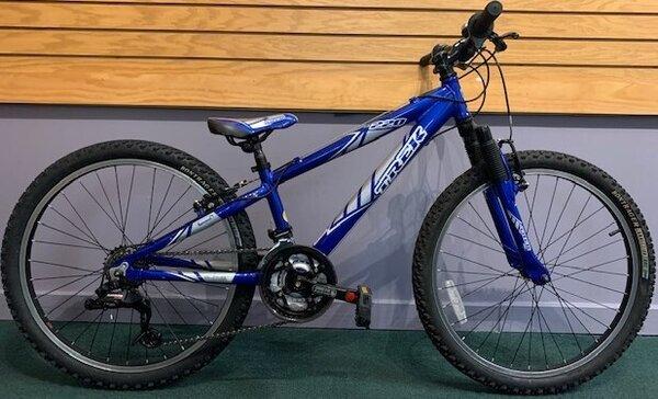 """Used Trek MT220 24"""" Kids Bike"""
