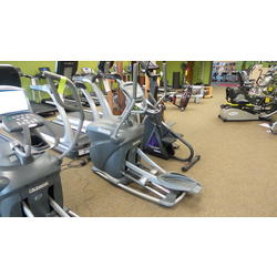 Used Octane Q35 Elliptical - Refurbished