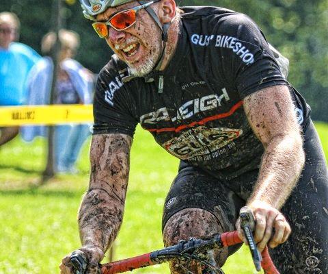 Tim Metzger racing in a cyclocross race