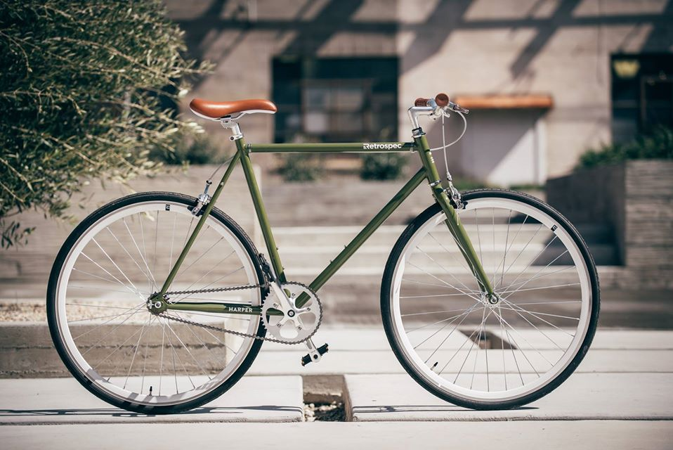 side view of retrospec fixed gear bike