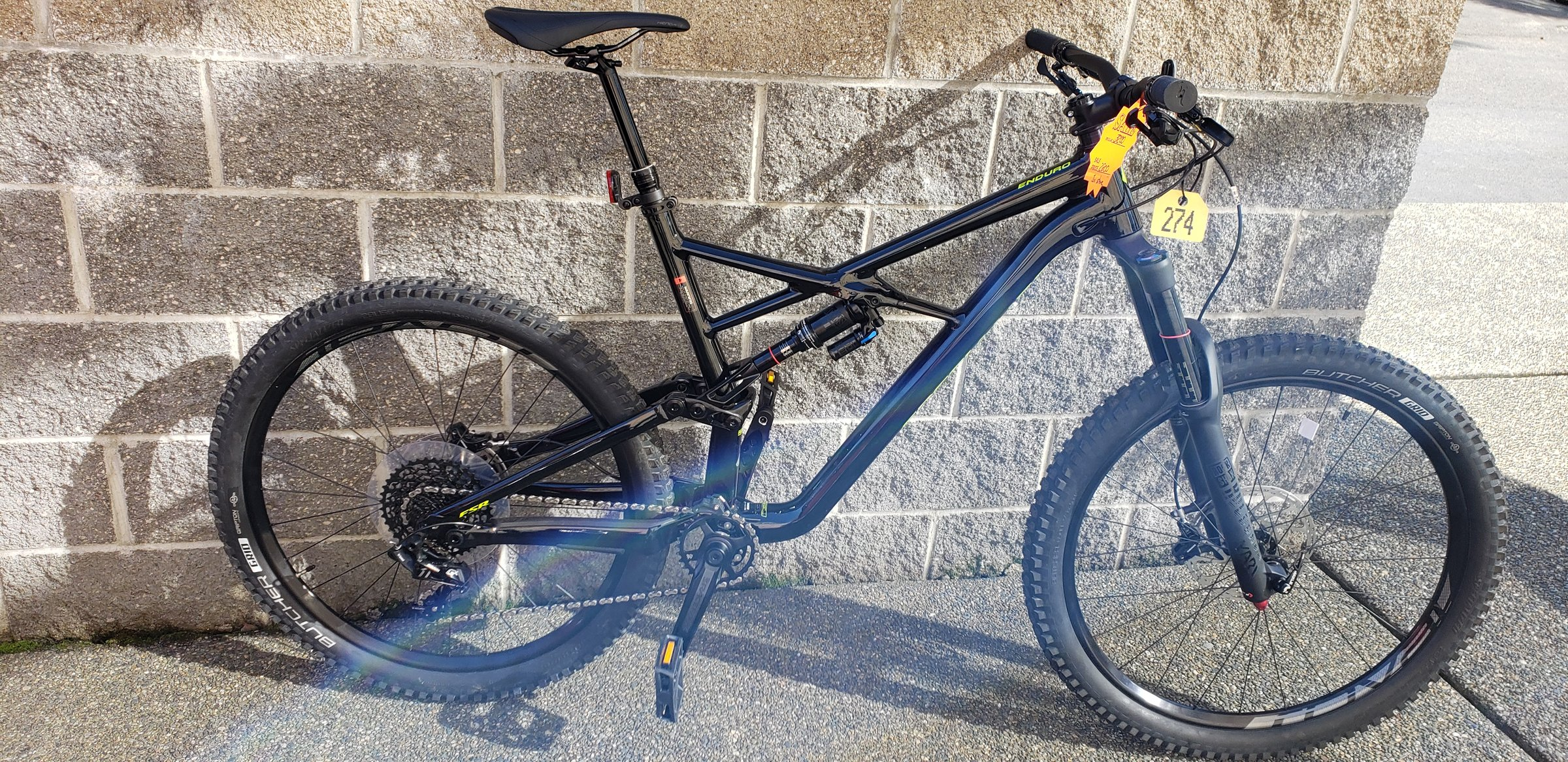 c11b60ac55d Specialized Enduro Comp 27.5 - Center Cycle Bicycles - Renton ...