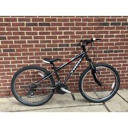 Cahaba Cycles Pre-Owned Trek 820 XS