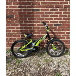 Cahaba Cycles Pre-Owned Jet 16 Boys Green/Black