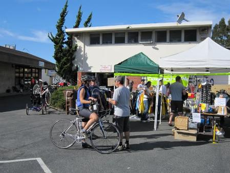 More people at a bike swap