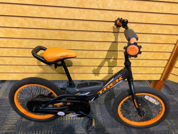 Trek USED Trek Jet 16-inch Youth Black/Orange