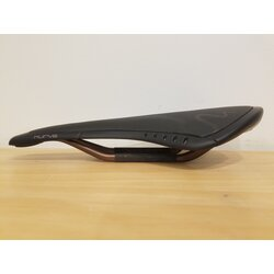 Fizik DEAL Fizik Kurve Saddle Snake - 7 x 9 Mobius Rail - ReFlex Base