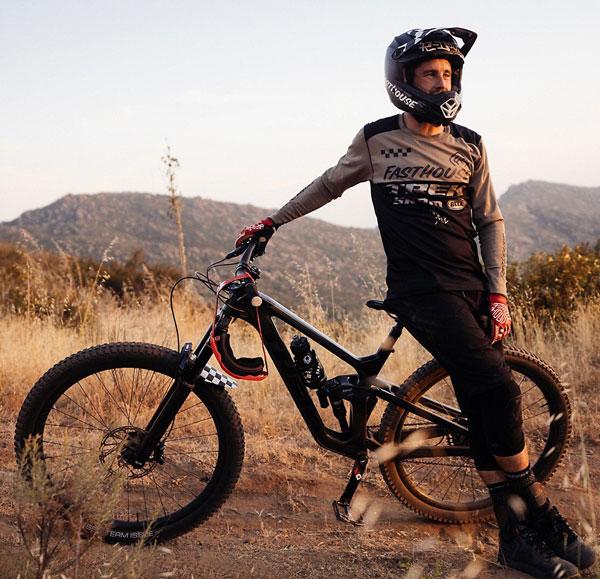 2021 Trek Slash with rider
