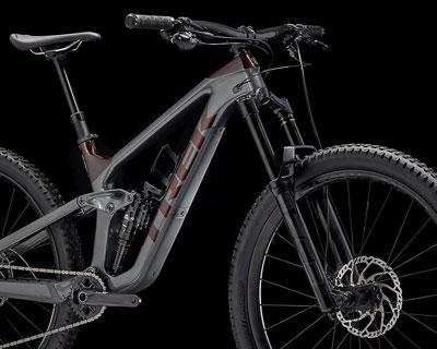 2021 Trek Slash complete bike - closeup of 170mm fork