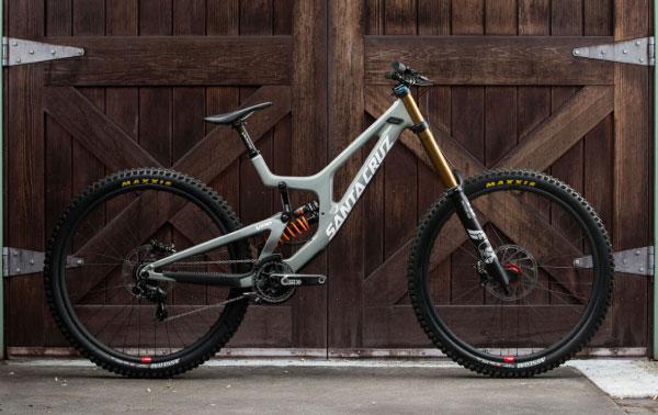 2020 Santa Cruz V10 Downhill Mountain Bike