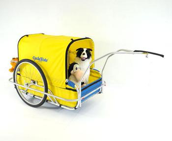 Cycle Tote Large Dog trailer, Garfield, Opus, and Bosco the wonder collie